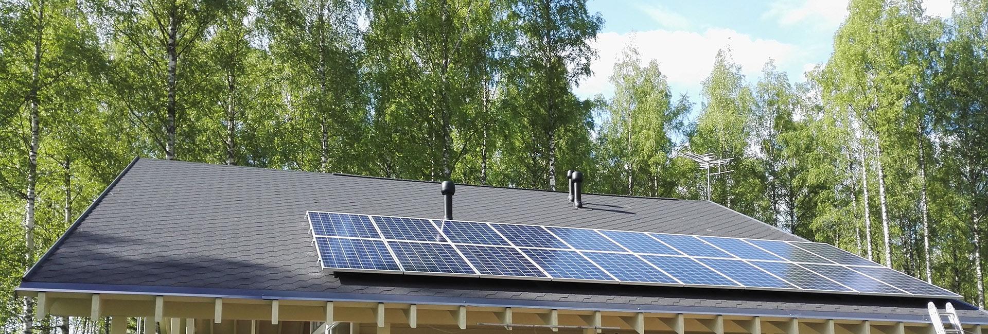 aurinkopaneeli mökille