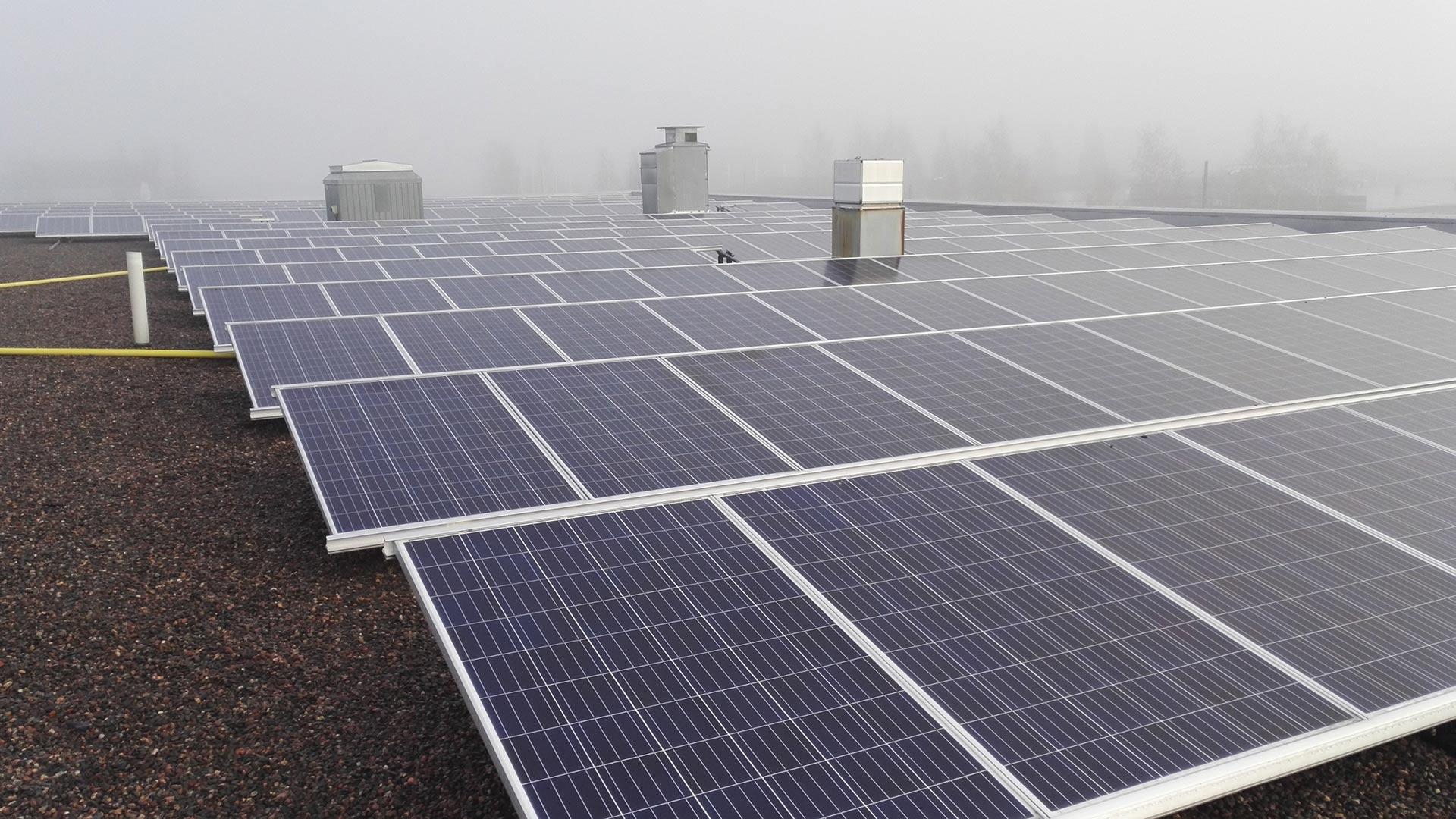 aurinkopaneelit yrityksille ja maatalouksille